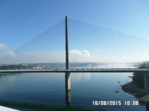 Broen ved Brest i solskin