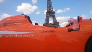 Strada med Eiffeltårnet