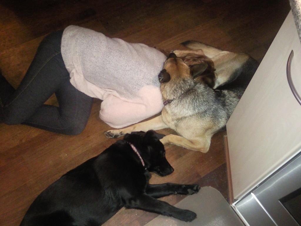 3 trætte tøser