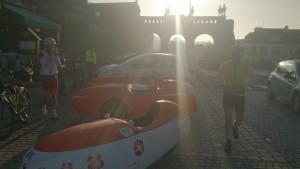 PBP 2015 Velomobil parkering og morgenmad